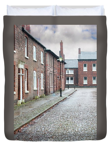 Victorian Terraced Street Of Working Class Red Brick Houses Duvet Cover by Lee Avison