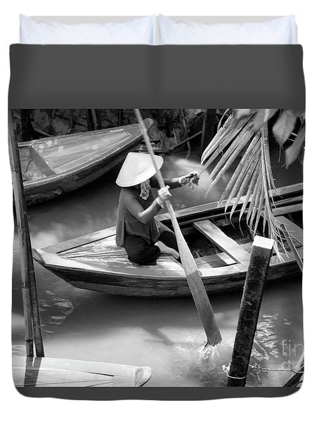 Vietnamese Woman Boat Ores Really For Tourist Mekong Delta  Duvet Cover