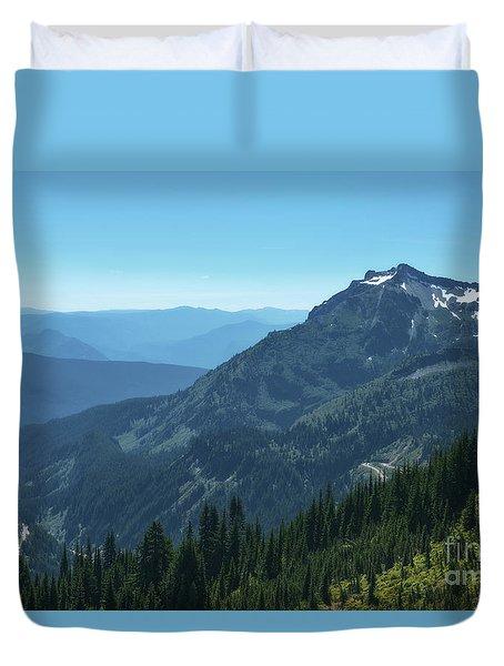 View Of The Tatoosh Duvet Cover