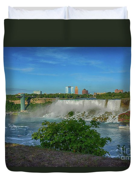 View Of Usa From Canada Duvet Cover
