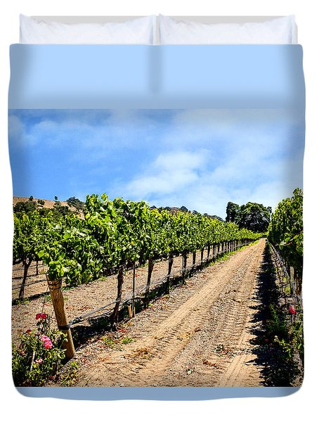 Vines And Roses Duvet Cover