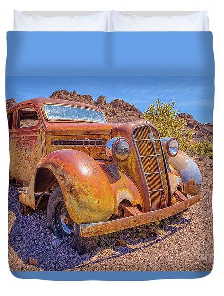 Vintage Car In The Desert Hdr Duvet Cover