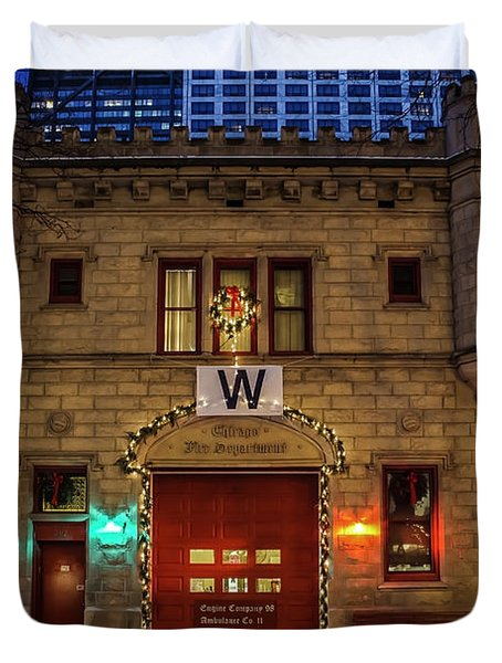 Vintage Chicago Firehouse With Xmas Lights And W Flag Duvet Cover