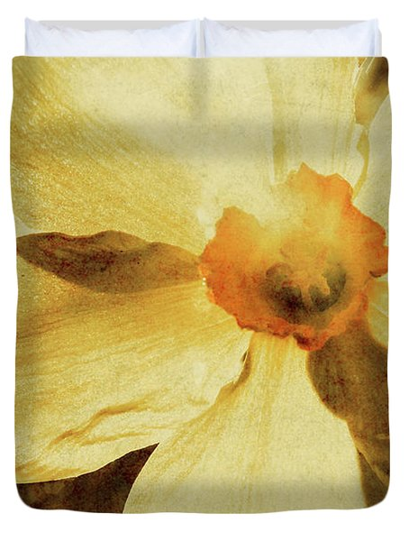 Vintage Daffodil Haze Duvet Cover