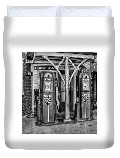 Vintage Gas Station Bw Duvet Cover