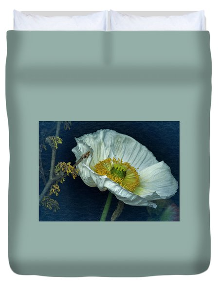 Duvet Cover featuring the photograph Vintage Poppy 2017 No. 2 by Richard Cummings