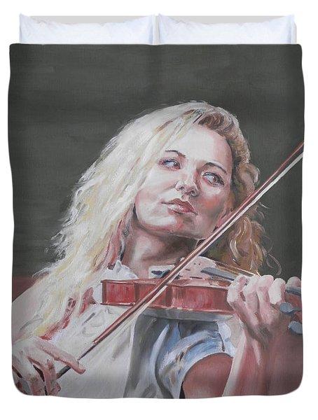 Violin Solo Duvet Cover