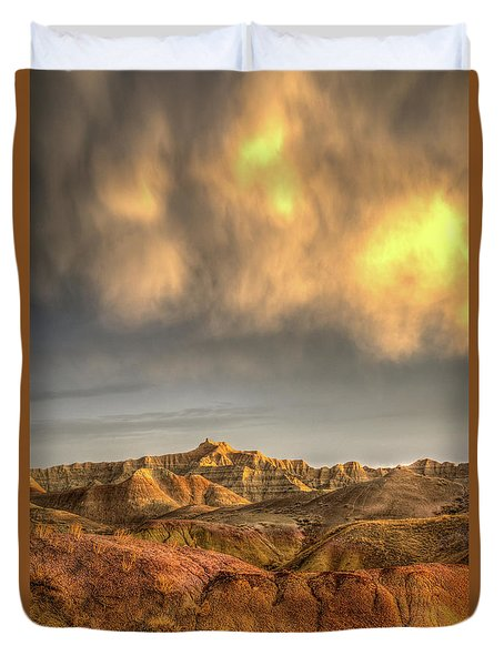 Virga Over The Badlands Duvet Cover