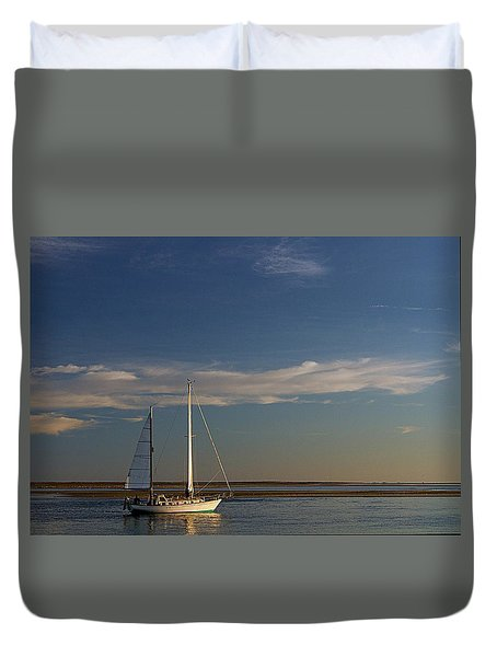 Duvet Cover featuring the photograph Visual Escape by Patrice Zinck