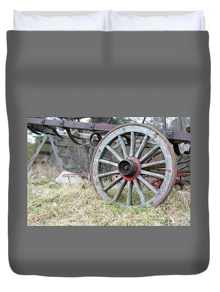 Wagon Wheel 2 Duvet Cover by Cynthia Powell