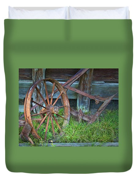 Duvet Cover featuring the photograph Wagon Wheel And Fence by David and Carol Kelly