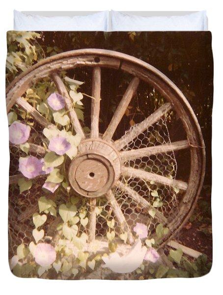 Wagon Wheel Memoir Duvet Cover