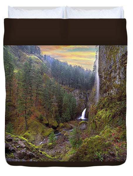 Wahclella Falls In Columbia River Gorge Duvet Cover by David Gn