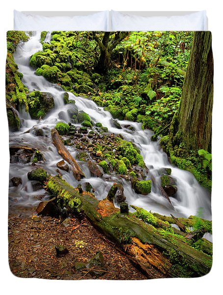 Duvet Cover featuring the photograph Wahkeena Falls by Jonathan Davison