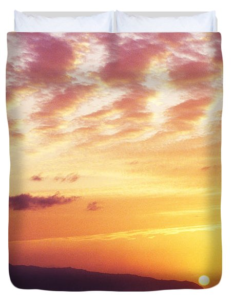 Waimea Bay Sunset Duvet Cover by Bob Abraham - Printscapes