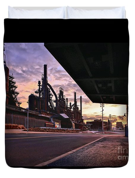 Duvet Cover featuring the photograph Waitin' On The Bus by DJ Florek