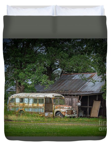 Waiting For The Bus In Tennessee Duvet Cover