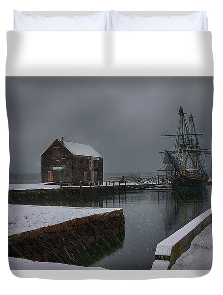 Waiting Quietly Duvet Cover by Jeff Folger