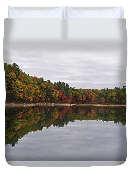Walden Pond Fall Foliage Concord Ma Reflection Trees Duvet Cover