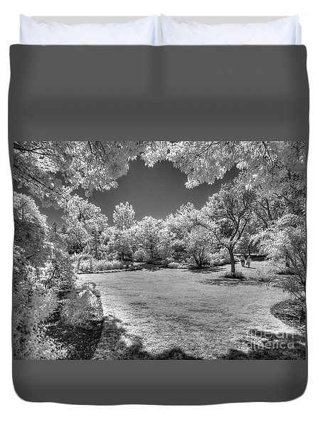 Walking In Clark Gardens Duvet Cover