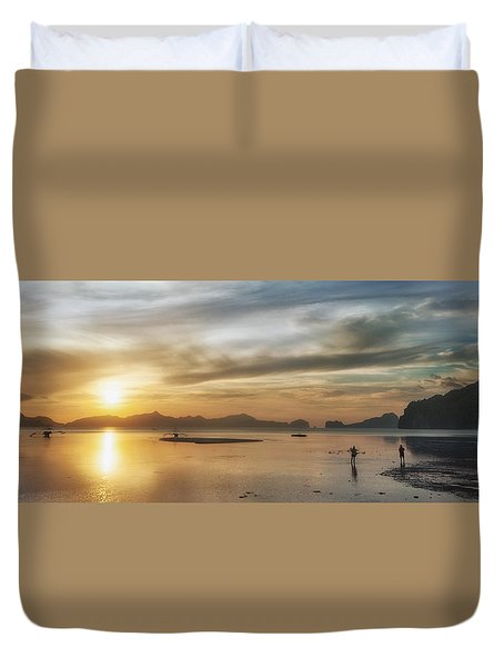 Walking In The Sun Duvet Cover