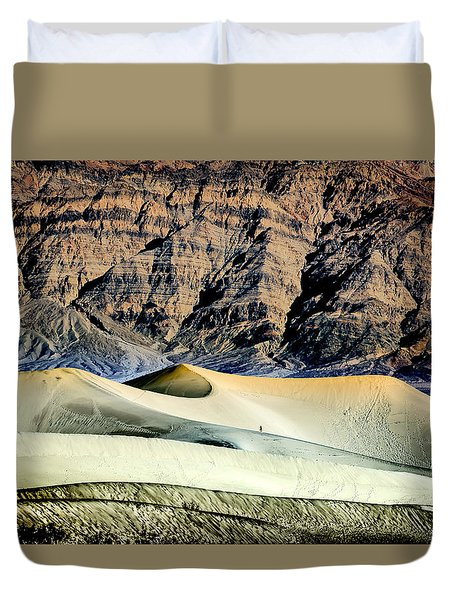 Walking The Dunes In Death Valley Duvet Cover