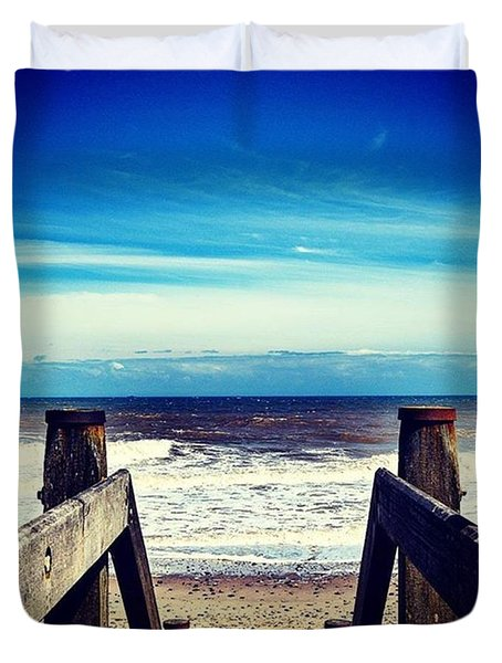 Walkway To The Beach Duvet Cover by Richard Atkin
