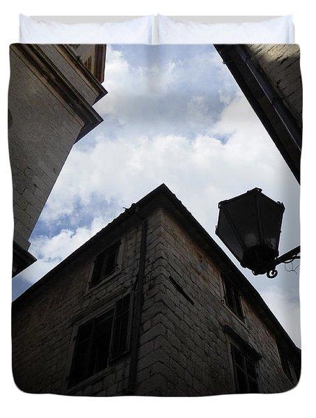 Walls And Skies II Duvet Cover