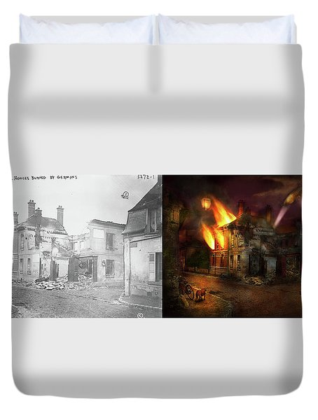Duvet Cover featuring the photograph War - Wwi -  Not Fit For Man Or Beast 1910 - Side By Side by Mike Savad