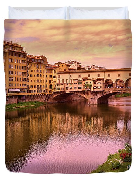 Sunset At Ponte Vecchio In Florence, Italy Duvet Cover