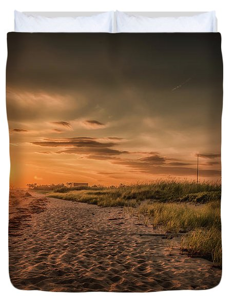 Warm Sunrise At The Fire Island Lighthouse Duvet Cover