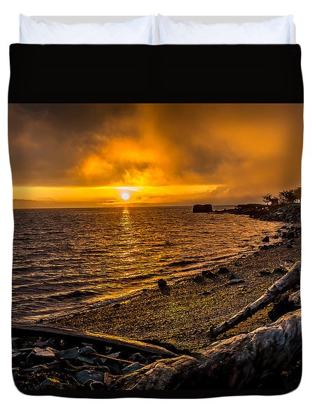 Warming Sunrise Commencement Bay Duvet Cover