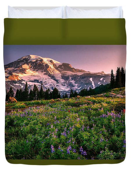Duvet Cover featuring the photograph Warming Up In Paradise by Dan Mihai