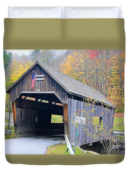 Warren Covered Bridge In Vermont Duvet Cover