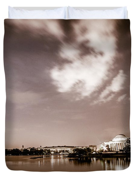 Washington Monument And Thomas Jefferson Memorial Duvet Cover