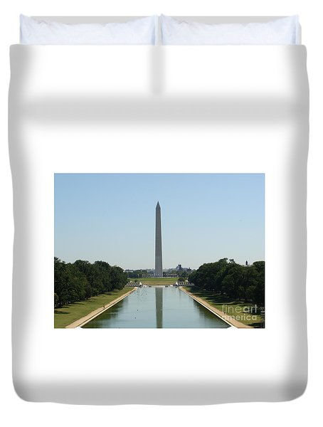 Duvet Cover featuring the painting Washington Monument by Rod Jellison