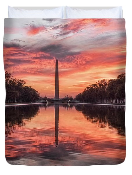 Washington Monument Sunrise Duvet Cover