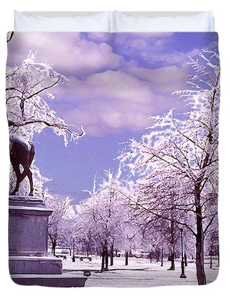Duvet Cover featuring the photograph Washington Square Park by Steve Karol