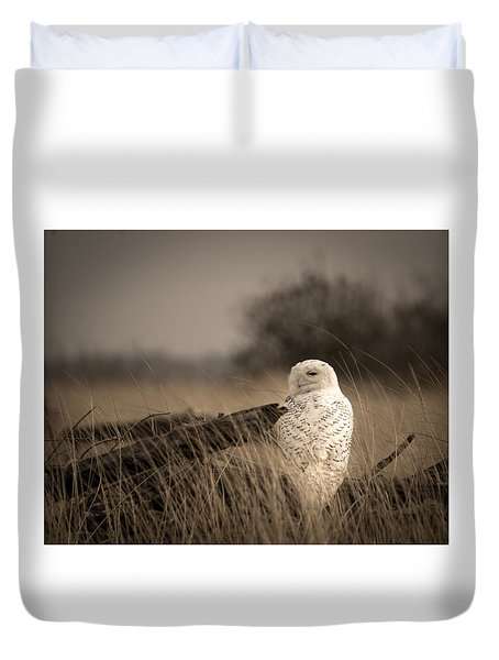 Duvet Cover featuring the photograph Watch Owl by Erin Kohlenberg