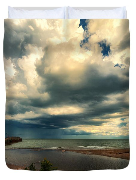 Watching The Storm On Lake Erie Duvet Cover