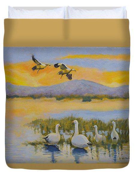 Water Fowl, Sutter Buttes Duvet Cover