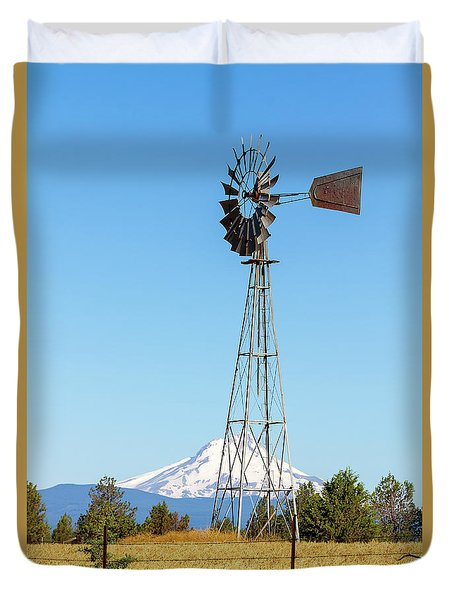 Water Pump Windmill In Central Oregon Farm Duvet Cover by David Gn