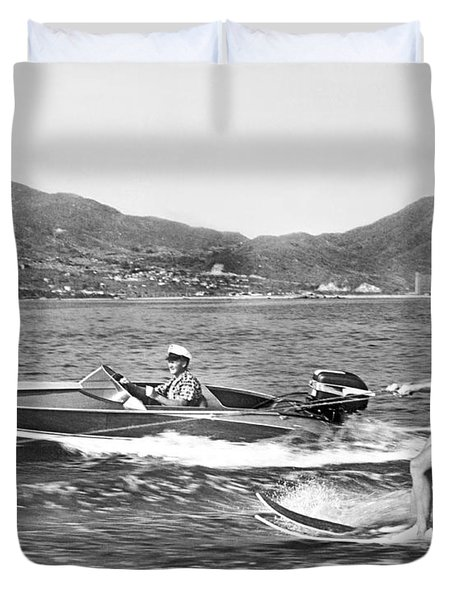 Water Skiing In Acapulco Duvet Cover