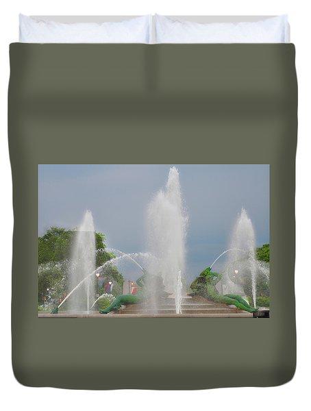 Water Spray - Swann Fountain - Philadelphia Duvet Cover by Bill Cannon
