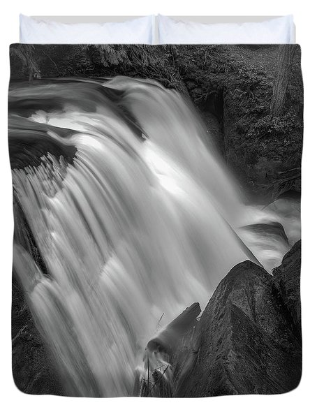 Waterfall 1577 Duvet Cover by Chris McKenna