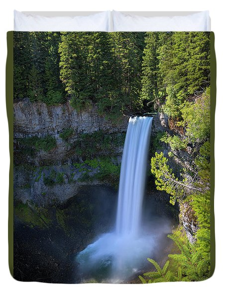 Waterfall At Brandywine Falls Provincial Park Duvet Cover by David Gn