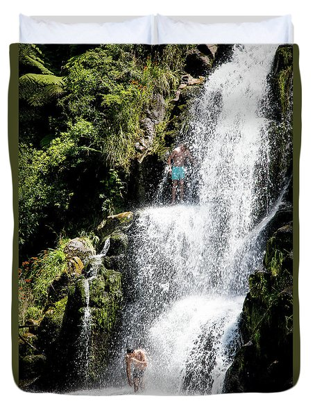 Waterfall In New Zealand Duvet Cover