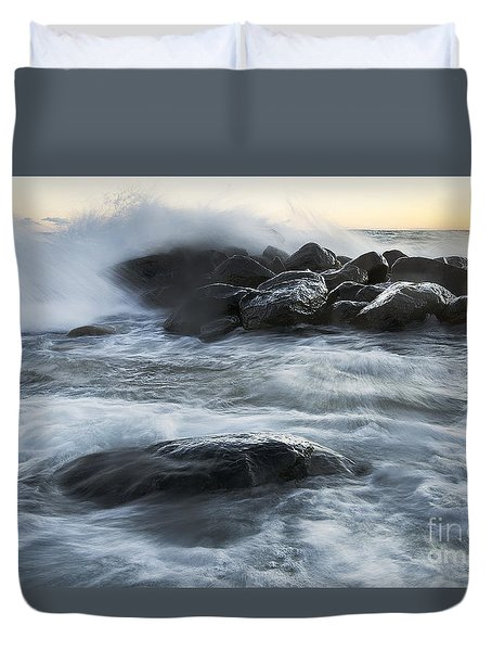 Wave Crashes Rocks 7835 Duvet Cover
