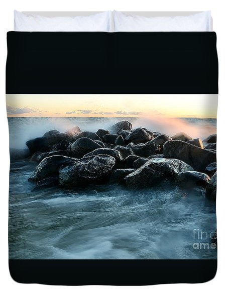 Wave Crashes Rocks 7941 Duvet Cover