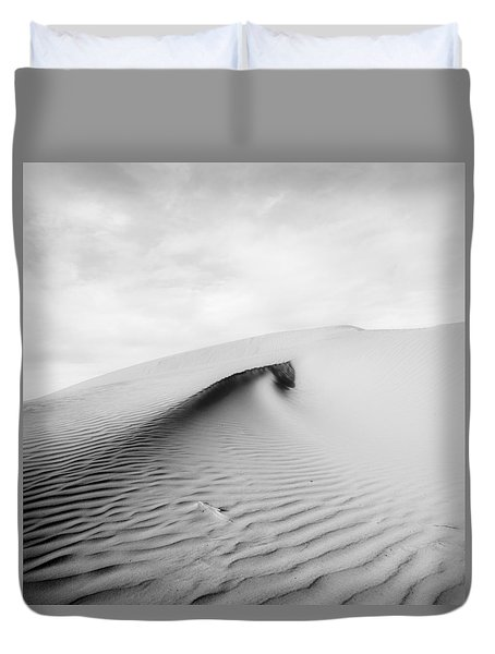 Duvet Cover featuring the photograph Wave Theory Vi by Ryan Weddle